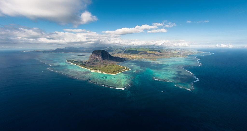 retire in mauritius, le morne, le morne brabant, live in mauritius